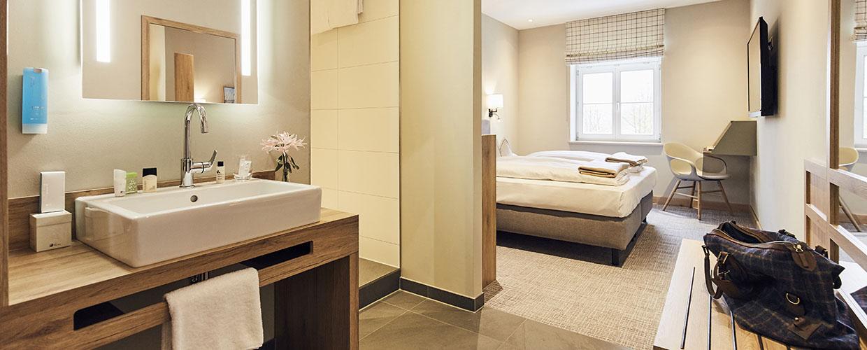 bad_hotelzimmer