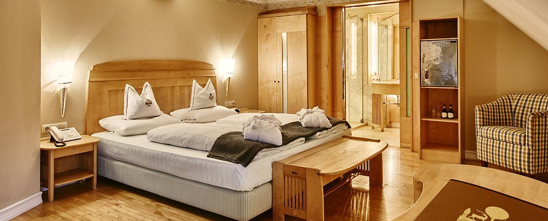hotelzimmer_holz